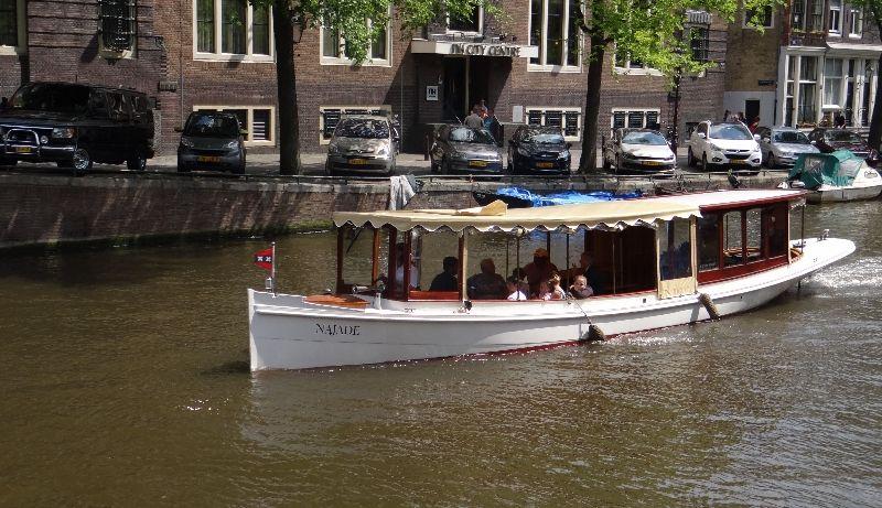 Salon Boat Najade Rent A Private Boat In Amsterdam