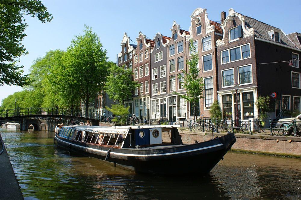 Trekschuit Hildebrand - Boot huren Amsterdam met Schipper
