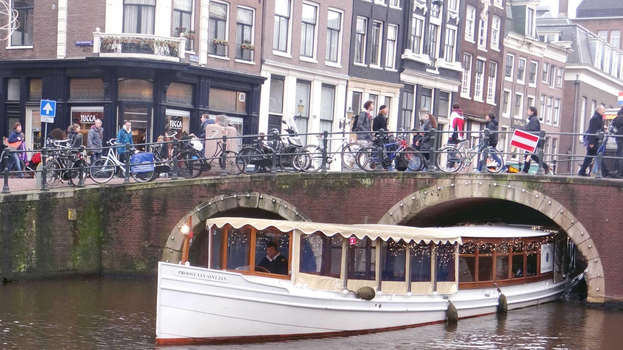 Proost van Sint Jan - Overdekte boot huren Amsterdam