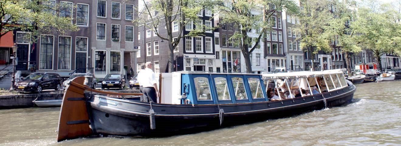 Met een gezelschap van 20 personen kunt u betaalbaar een mooie boot huren