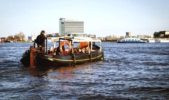 Trekschuit Stella Maris Amsterdam